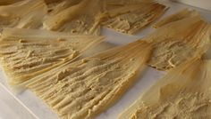 This tamale masa recipe with oil is perfect for making vegan and healthier Mexican tamales. With VIDEO and step-by-step pictures. Homemade Tamales, Homemade Flour Tortillas, Masa Recipes, Pork Recipes, Spinach Recipes, Veggie Recipes, Veggie Food, Tamale Masa Recipe With Oil, Kitchen Recipes