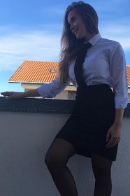 Student Girl Dressed Formal In Black Skirt Camicia bianca e cravatta School Uniform Outfits, Cute School Uniforms, Sexy Outfits, Girl Outfits, Feminized Boys, School Girl Dress, Curvy Women Fashion, Suit And Tie, Sexy Hot Girls