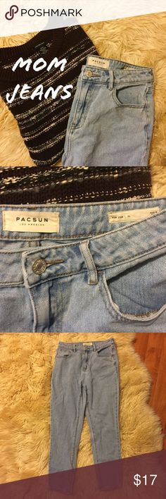 EUC High Waisted Mom Jeans Light wash mom jeans from PacSun. Only worn once or twice. Also seen in my Lucca couture cropped sweater listing. Classic shape and mid-heavy weight denim associated with Mom jean style. PacSun Jeans Boyfriend