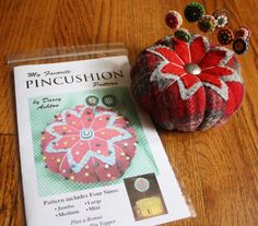 Tomato Pincushion Pattern Four Sizes by dashton4 on Etsy - I purchased this pattern :O) Ready to get crafting !