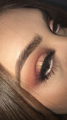 Modern Renaissance palette w/ Dodo lashes and Mac Pigment in Melon mixed w NYX glitter in gold