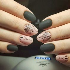 Opting for bright colours or intricate nail art isn't a must anymore. This year, nude nail designs are becoming a trend. Here are some nude nail designs. Henna Nails, Lace Nails, Henna Nail Art, Lace Nail Art, Luxury Nails, Elegant Nails, Beautiful Nail Designs, Gel Nail Designs, Creative Nails