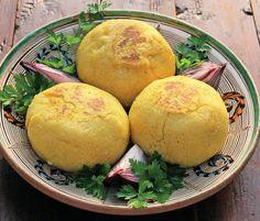 Romanian Food, Romanian Recipes, Horchata, Food Categories, Lassi, Polenta, Main Meals, Soul Food, Cornbread