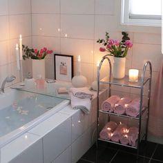 Diy Bathroom Decor, Bathroom Interior Design, Interior Decorating, Budget Bathroom, Decorating Ideas, Bathroom Decor Ideas On A Budget, Master Bathroom, Bathroom Stuff, Bathroom Small