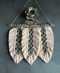 Macrame Design, Macrame Art, Macrame Projects, Macrame Knots, Micro Macrame, Crochet Projects, Macrame Wall Hanging Patterns, Macrame Patterns, Crochet Patterns