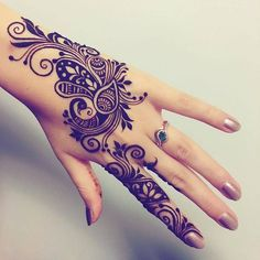 Gorgeous Henna Patterns on Hands New Designs 2018