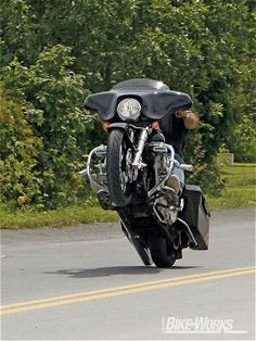 2006 Harley Davidson Street Glide Wheelie #harleydavidsonbaggersmodels