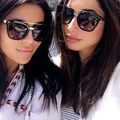 @julie_schott e @tenipanosian maravilhosas de Dolce e Gabbana!  #oticaswanny #julieschott #tenipanosian #dolcegabbana #friends