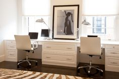 Chic Home Office with Two Person Desk Design Cozy Home Office, Modern Office Desk, Home Office Space, Home Office Desks, Office Table, Office Chairs, Double Desk Office, Home Office Furniture Desk, Apartment Office