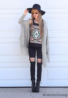 Those oversized fringed cardigan, tee and those cute sunnies is a perfect match.