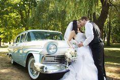 Bride and Groom | Vintage Car  Photografia Classic Weddings