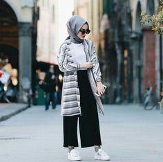 Ideas Style Hijab Casual Simple Kulot style 606156431083201769 Source by . Ideas Style Hijab Casual Simple Kulot style 606156431083201769 Source by Modern Hijab Fashion, Street Hijab Fashion, Muslim Fashion, Fashion Outfits, Classy Fashion, Party Fashion, Petite Fashion, Fashion Fashion, Face Fashion