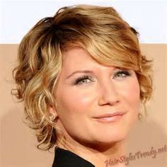 short curly hair styles - Bing Images by dixie Thin Wavy Hair, Fine Curly Hair, Curly Hair Cuts, Short Hair Cuts, Curly Hair Styles, Layered Hair, Short Wavy Haircuts, Short Curly Hairstyles For Women, Short Hair Styles For Round Faces
