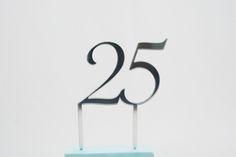 Taarttopper klassiek voor Jubileum verkrijgbaar in zilver of goud acrylaat | Youperz!!