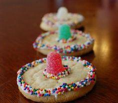 Sombrero Cookies #craftyfiesta perfect for @Estrella Raquel ...don't you think so @Chelsea Spegal hahaha :)
