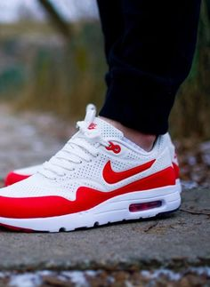 2014 cheap nike shoes for sale info collection off big discount.New nike roshe run,lebron james shoes,authentic jordans and nike foamposites 2014 online. Nike Air Max, Air Max 1, Nike Shoes Cheap, Nike Free Shoes, Running Shoes Nike, Nike Outlet, Air Max Sneakers, Sneakers Nike, Pink Beige