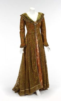 GUENEVERE CAMELOT GOWN - Price Estimate: $100 - $200