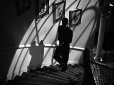 Suspicion - Cary Grant (a Alfred Hitchcock noir film) Alfred Hitchcock, Hitchcock Film, Film Noir Photography, Cinematic Photography, Cary Grant, Entertainment Weekly, Film Noir Fotografie, Mafia, The Big Lebowski