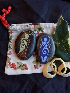 Goddess & God Altar Stones & Pouch. Pagan Palm Stones. Witch Wicca Charms #wildseawitch