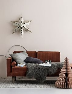 These press images from Broste Copenhagen are slowly bringing me in the Christmas mood and have me longing for cozy moments on the sofa with a hot chocolate. First seen on Inredningshjalpen