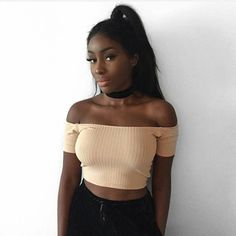 Image discovered by Céleste. Find images and videos about girl, fashion and style on We Heart It - the app to get lost in what you love. Black Girls Rock, Black Girl Magic, My Black Is Beautiful, Beautiful People, Beautiful Women, Photo Book, Curly Hair Styles, Natural Hair Styles, Dark Skin Girls
