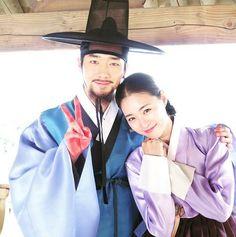Seo Kang Jun and Lee Yeon Hee say farewell to 'Hwajung' Korean Traditional, Traditional Dresses, Korean Men, Korean Actors, Splendid Politics, Seo Kang Jun, Seung Hwan, Asian Angels, Paros