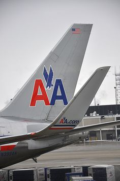 American Airlines - Winglet and Tail, via Flickr.