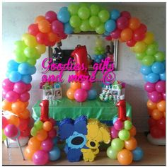 Woezel and Pip balloonarche and balloonpilars Party Themes, Party Ideas, Birthday Parties, Goodies, Children, Babyshower, Om, Prince, Gifts