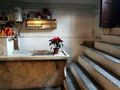 greek taverna Diporto Athens , photo by Manteau Stam