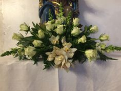 Church Flower Arrangements, Iglesias, Floral Wreath, Wreaths, Flowers, Painting, Home Decor, Art, Rose Flower Arrangements