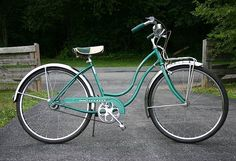 Ladies Schwinn Corvette! Totally want this as my new bike this year!!! OH YEAH!!!!