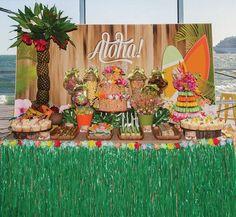 Conheça nossa super seleção com 50 ideias de decoração para ter uma festa havaiana incrível. Confira!