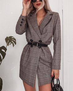 Blazers that can be worn as dresses ? I'd wear this one with chunky heeled . - FashionistaBlazers that can be worn as dresses ? I'd wear this one with chunky heeled boots ❤️ Wearing LASULA - I'll pop a link in my story! Fashion 2020, Love Fashion, Korean Fashion, Womens Fashion, Fashion Edgy, Hipster Fashion, Classy Fashion, Grunge Fashion, Modest Fashion