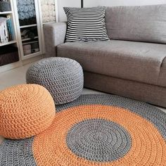 How to Make, Beautiful Crochet Patterns and Covers Pouf En Crochet, Crochet Carpet, Crochet Pillow, Diy Crochet, Crochet Stitches, Knitting Patterns, Crochet Patterns, Crochet Designs, Handmade Home Decor