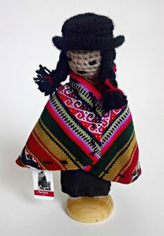 The Aymara women weave. Ethnic of Chile