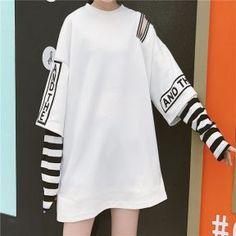 in Colouful Girl Street Style *Clique para ver post completo*Moda Coreana: Inspire-se! in Colouful Girl Street Style *Clique para ver post completo* Edgy Outfits, Korean Outfits, Grunge Outfits, Girl Outfits, Fashion Outfits, Hipster School Outfits, Fashion Mode, Fashion Trends, Kawaii Fashion