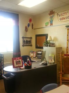 Another year, another theme! This year, our graders are going to be excited to be in class with a WESTERN theme! Teacher Outfits, Teacher Clothes, Western Theme, Classroom Themes, Corner Desk, Westerns, School Stuff, Hairstyles, Furniture