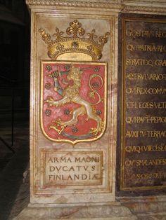Vanhin versio Suomen vaakunasta Kustaa Vaasan (k. 1560) hautamonumentissa Upsalassa.