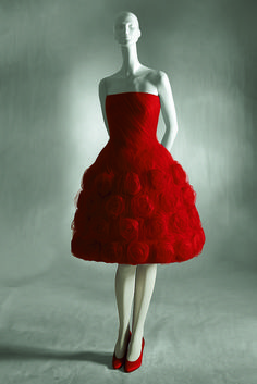 Master of Couture Valentino in mostra alla Somerset House