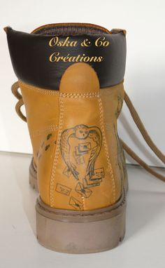 Chaussures relookées inspiration Harry Potter Refashioned shoes Harry Potter hand painted