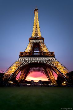 La tour Eiffel.I want to go see this place one day.Please check out my website thanks. www.photopix.co.nz