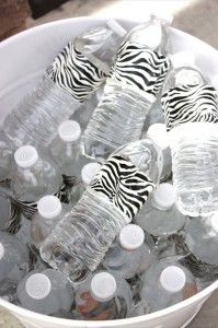 MOM Tip: Dress Up Water Bottles for a Party #247moms