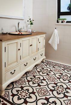 שידת אמבטיה מעוצבת לואי בצבע שמנת