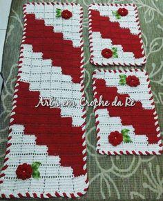 Crochet Designs, Crochet Patterns, Bead Crafts, Diy Crafts, Crochet Table Mat, Tapis Design, Granny Square Crochet Pattern, Crochet Kitchen, Tablerunners
