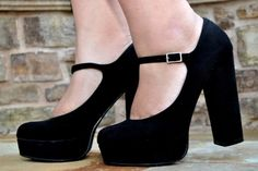 i love that the stacked heel is coming back!