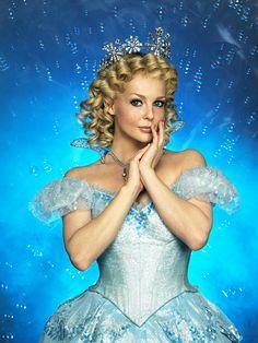 Chantal Janzen (Dutch Glinda)