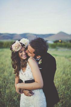 Wedding - beautiful loose hair and bridal hair piece.  #wedding #bridalhair #floralhairpiece #weddingphotographyposes