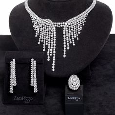 Gioielli da sogno per un giorno da Regina. Fantastic jewels for a day like a Queen.