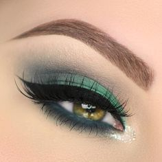 My new tutorial on this teal smokey eye just went up on my YouTube channel! Link in my bio.  Product details:  @anastasiabeverlyhills brow definer in medium brown and clear brow gel  @makeupgeekcosmetics bedrock time travel and dragonfly  @urbandecaycosmetics heavy metal glitter liner in midnight cowboy  @tartecosmetics so fine micro liner  @makeupforeverofficial aquaXL eye pencil in I-23  @hudabeauty @shophudabeauty farah lashes by taniawallerx3