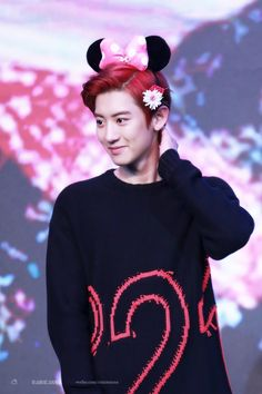 Find images and videos about exo, chanyeol and park chanyeol on We Heart It - the app to get lost in what you love. Baekhyun, Chanyeol Cute, Park Chanyeol Exo, Chen, Kai, Fandom, Kim Junmyeon, Chanbaek, K Idols